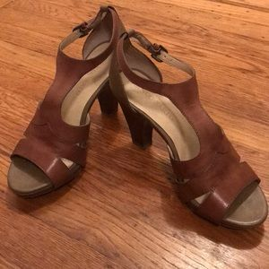 Franco Sarto strappy brown taupe leather heels